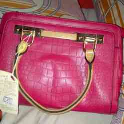 designer hand bag for ladies with style