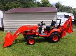 one owner 2oo7 Kubota bx24 tractor