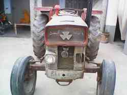 Tractor Massey 135 in Excellent condition for sale.