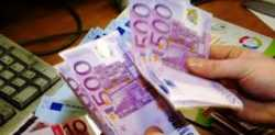 offers loans between particular € 2000 to € 10 billion in 72 hours